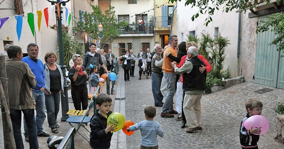 La fête des voisins in La Garde France with our neighbours