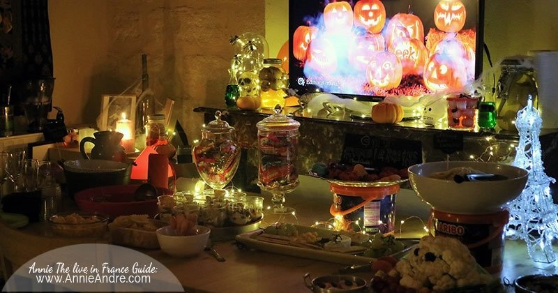An Apero Dinatoire Halloween party table decorated
