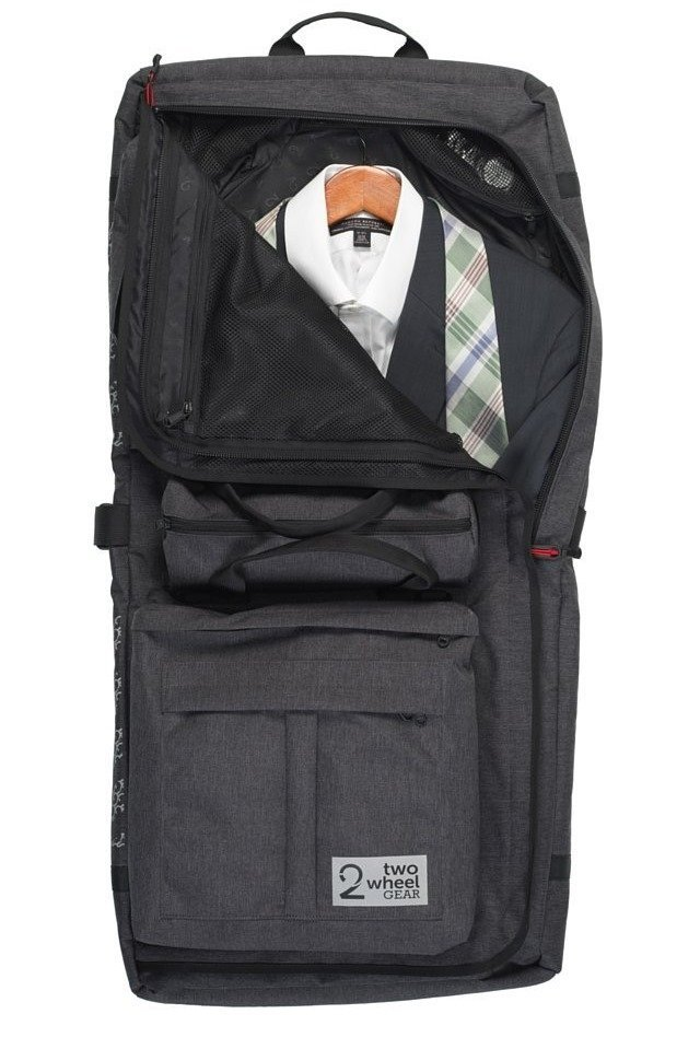 garment pannier w suit