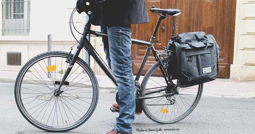two-wheel-garment-pannier-bike2