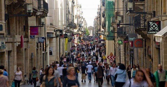 rue-st-catherine is Bordeaux popular shopping street