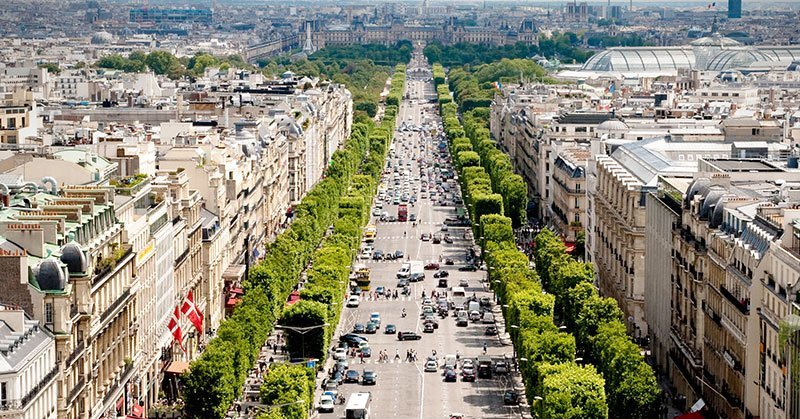 Champs Elysee Shopping Street