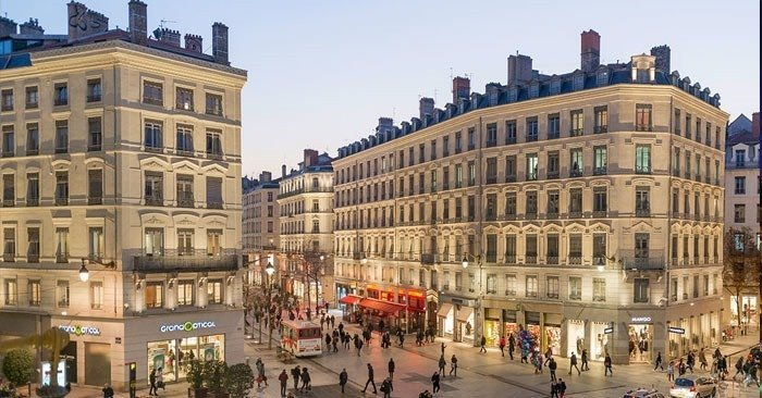 rue-de-la-republique is Lyon's popular shopping street