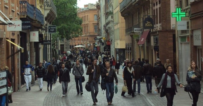 Avenue-Alsace-Lorraine is Toulouse- popular shopping street