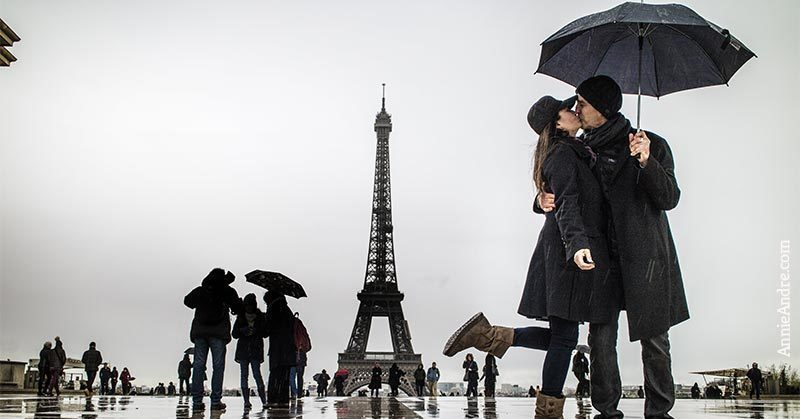 schedule a couples photo-shoot around paris: