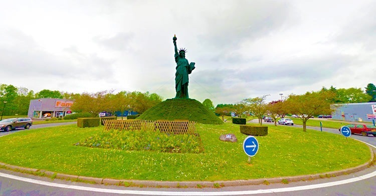 Barentin-statue-of-liberty-replica-in-France