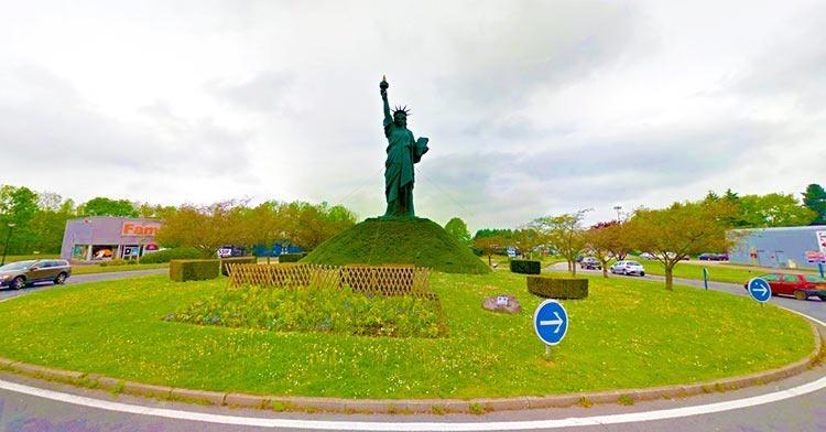 Barentin-statue-of-liberty-replica-in-France