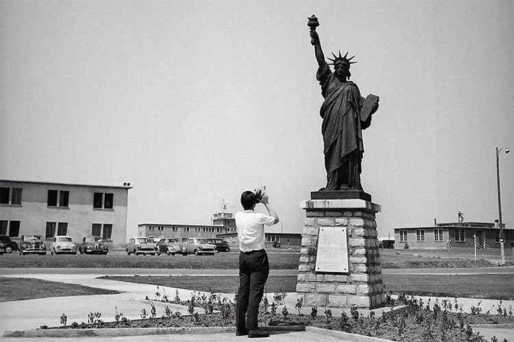 Chaumont-Air-Base-statue-of-liberty-replica