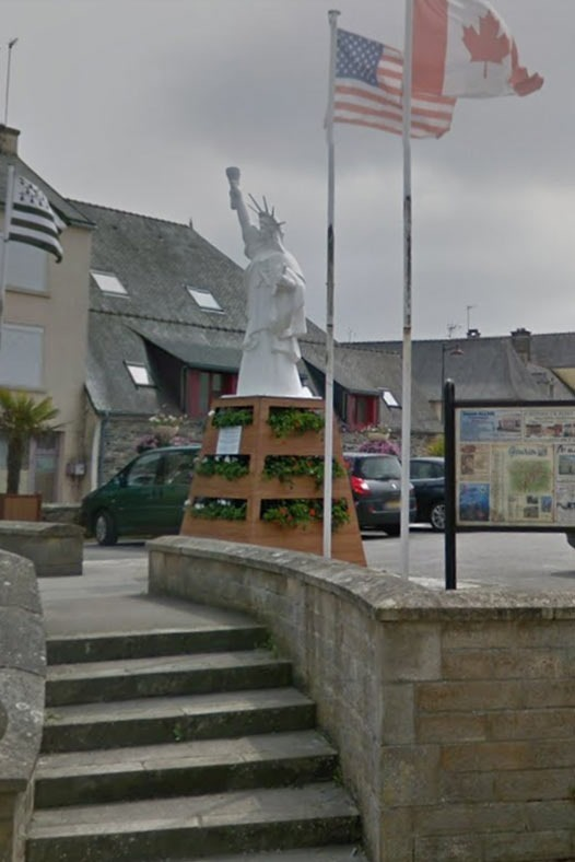 Gourin-Statue-of-liberty-replica-in-France