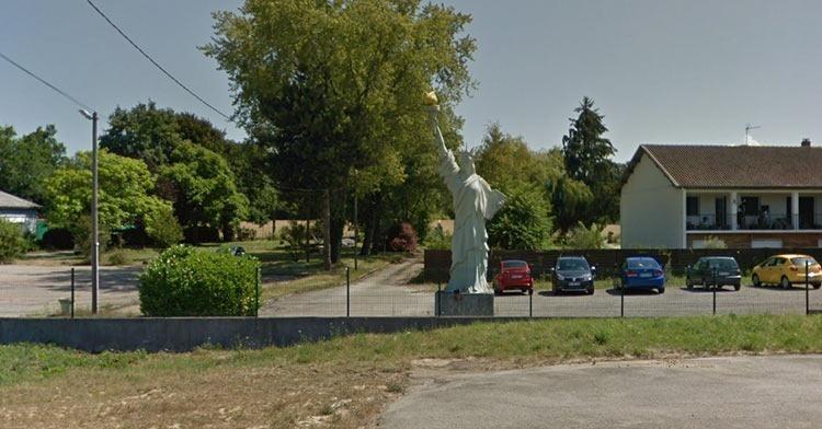 Montagnat-statue-of-liberty