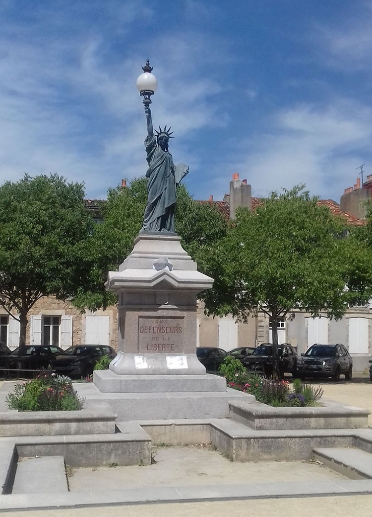 Poitiers-statue-of-liberty