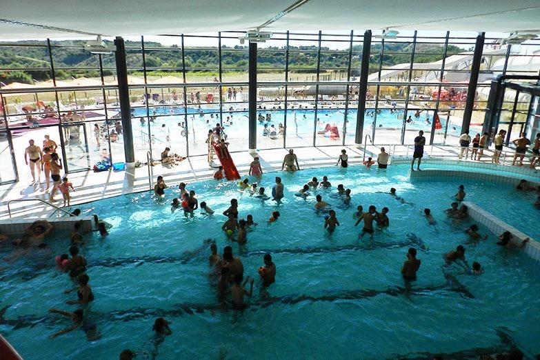 Espace aquatique des bassins, a public pool in Thouet