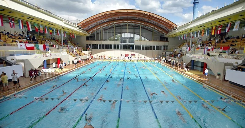Paris public pool Piscine Georges Vallerey