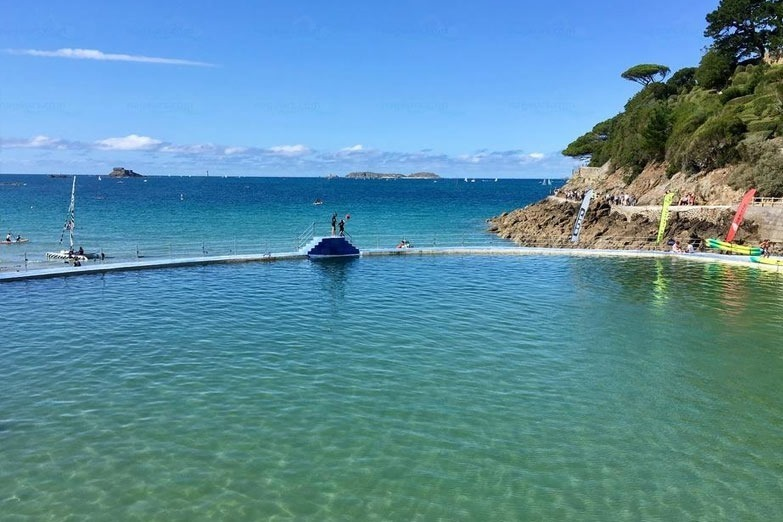 piscine de la porte d'Émeraude in Dinard-France a public outdoor sea water pool