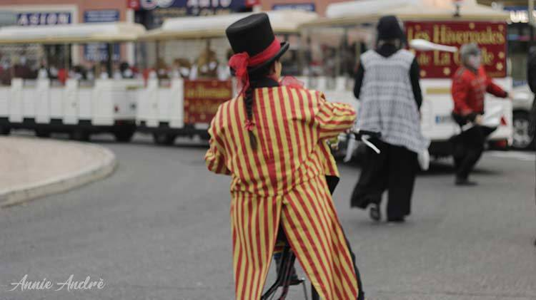 Clown Rodin bike in La Garde France during Christmas festivities