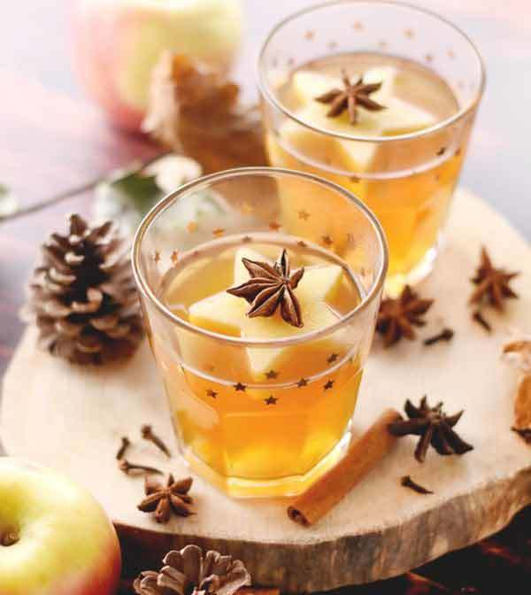 Hot Cider known in French as Cidre chaud