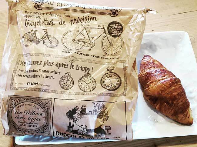 croissant bag and croissant