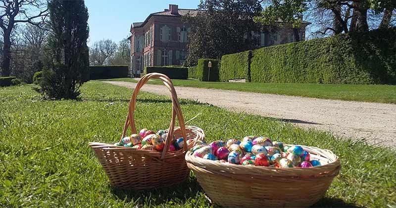 Biggest easter egg hunt in a French Chateau in France: le labyrinthe du Chateau de MERVILLE