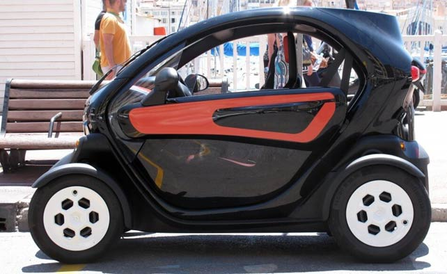 the 2 seater car that does not require a license to drive in France