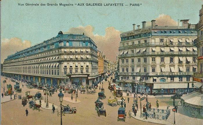 Gallerie Lafayette in Paris circa 1900s