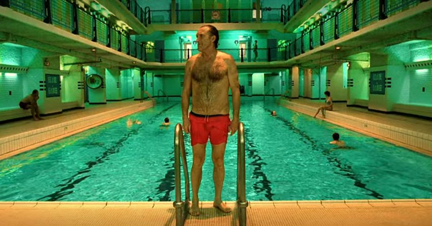 Admiral pool in Paris where Amélie's father swims