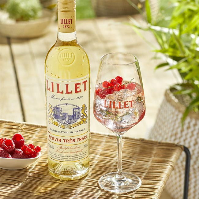 french drinks; Aperitifs Lillet