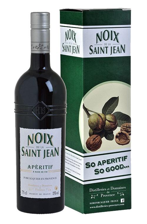 walnut liqueur: vin de liqueur de noix