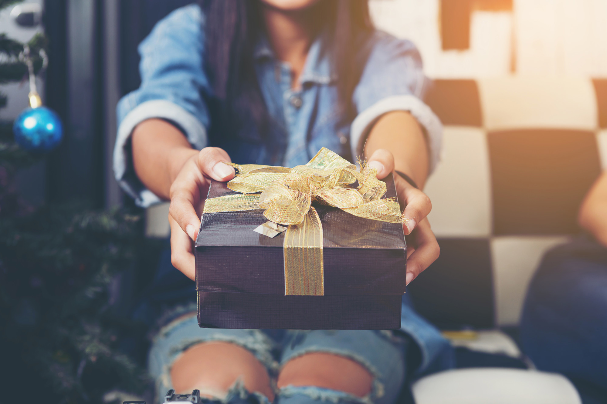 A Guide to Gift-Giving and Etiquette in France