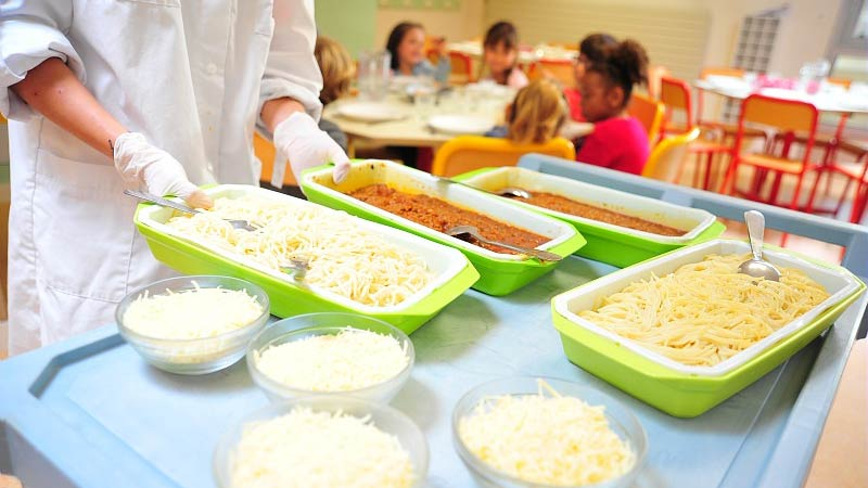 School lunch: Cantine in Le Mans France