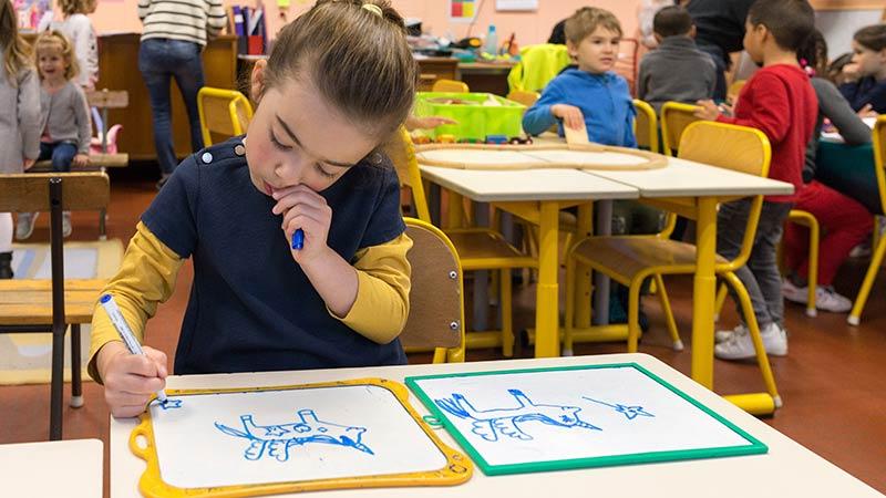 School work preschool France: white board